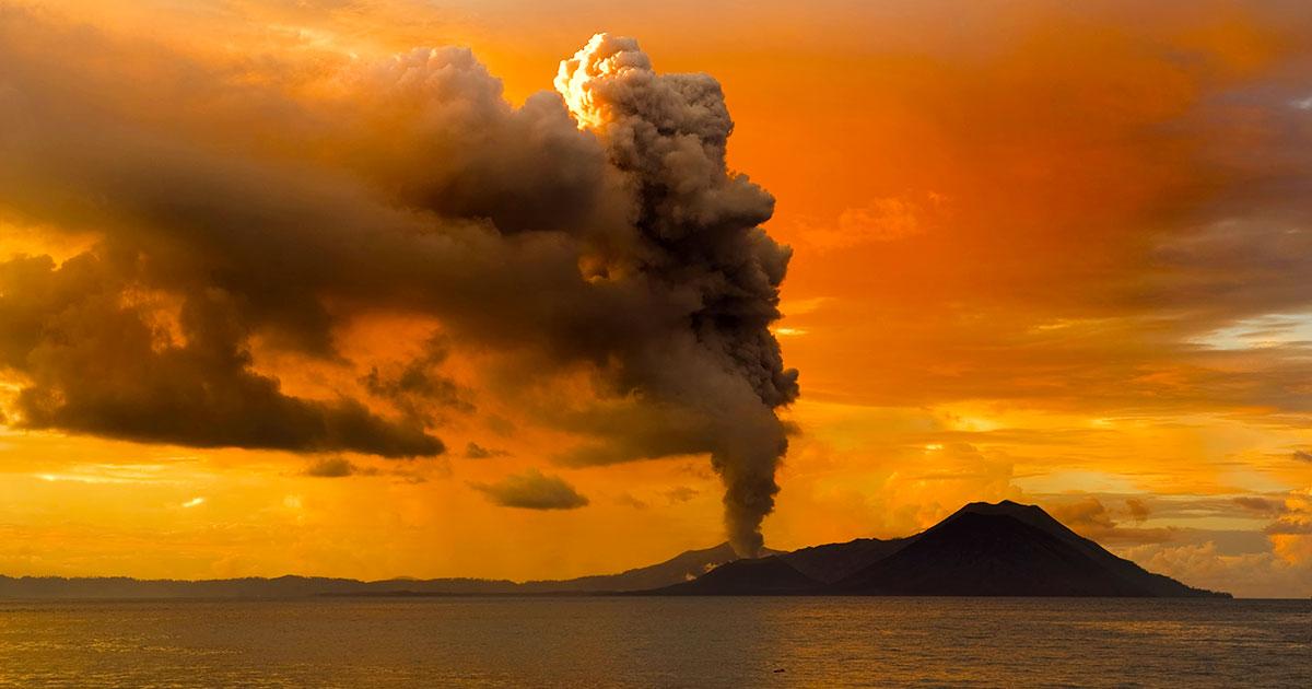Explosive eruption of Mount Tavurvur